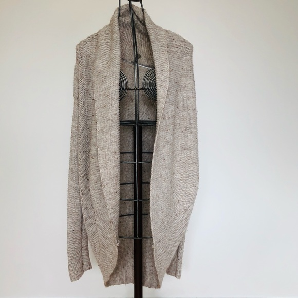 Knit cocoon sweater. Fits medium to large.